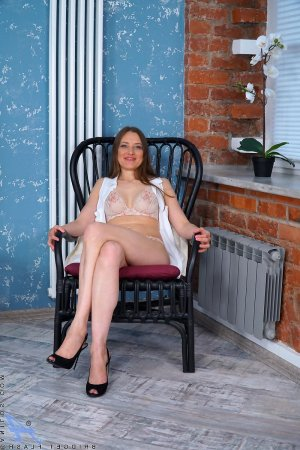 Hermeline adult dating in Reidsville, NC